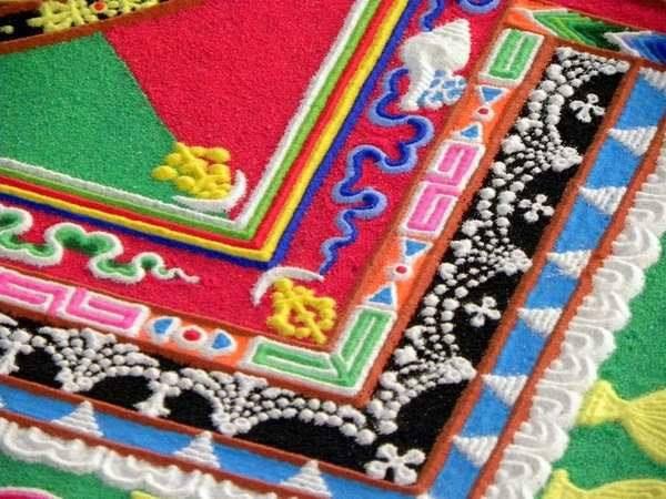 """la """"Sand Art"""" dei monaci tibetani"""