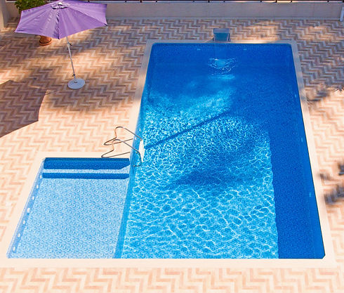 pools%20with%20vinyl%20coating_edited.jp