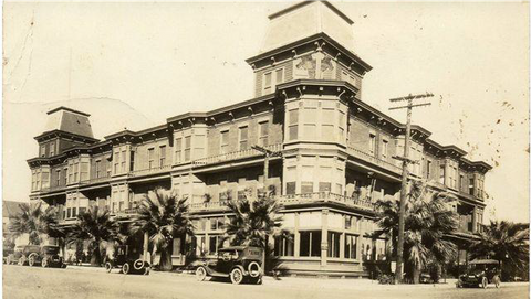 Palm Hotel.png