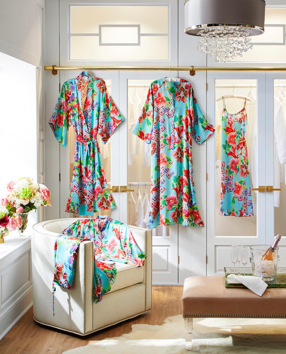 Natori Red Poppies Loungewear