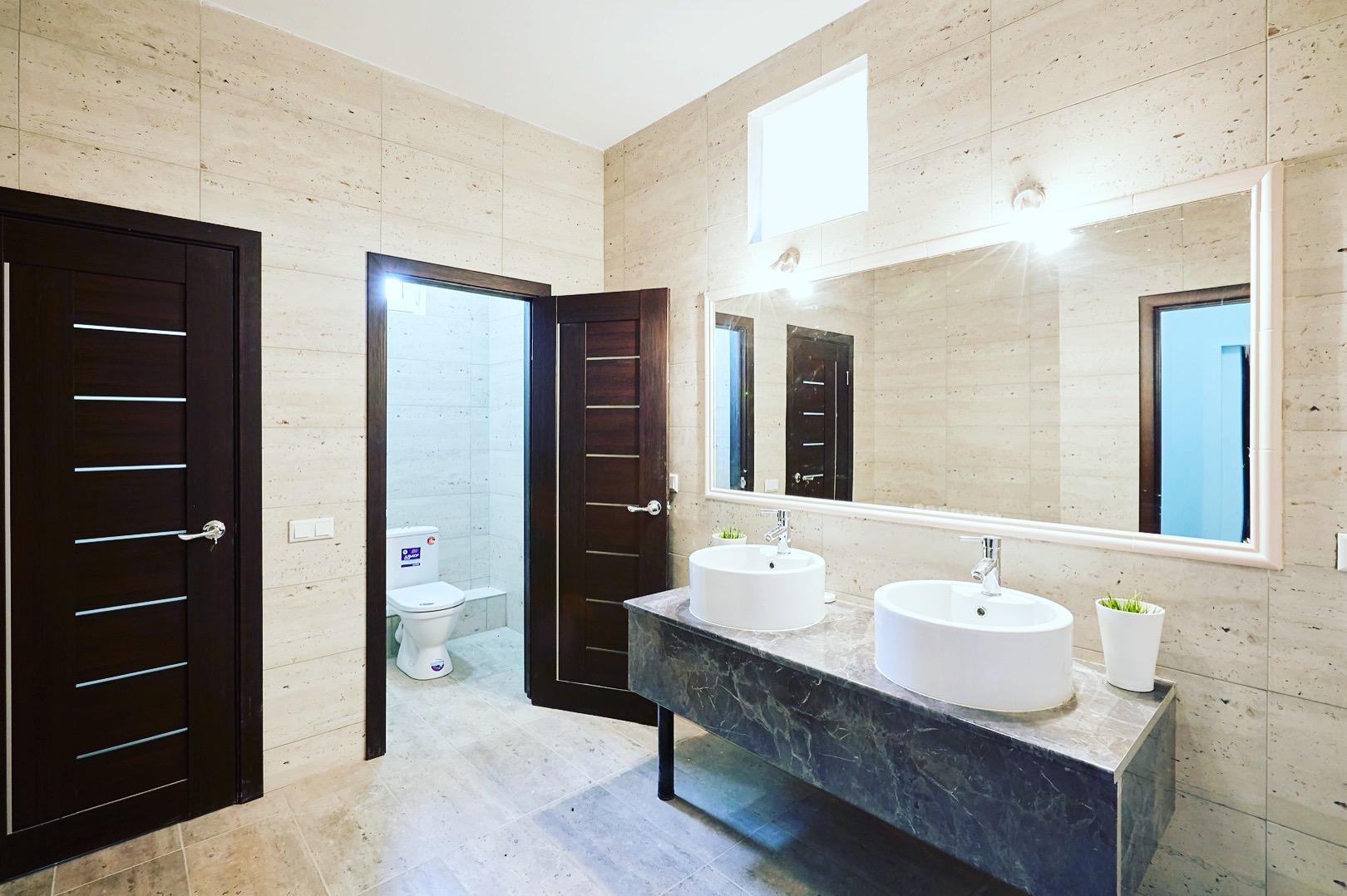 Туалет Hostelland Astana