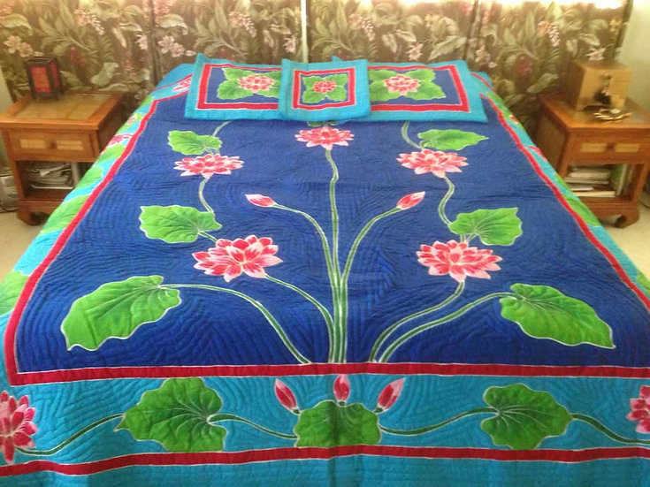 Lotus Flower Queen Size Hawaiian Style Quilt