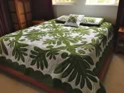 Ulu Leaf Queen Size Hawaiian Style Quilt