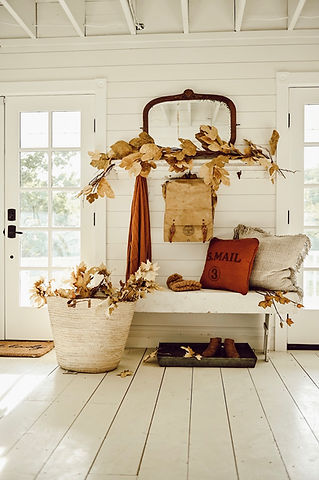 rustic-fall-entryway.jpeg