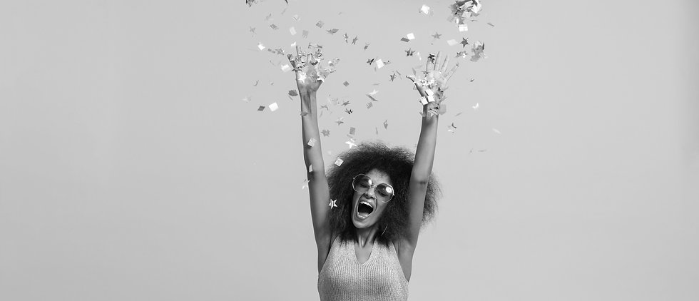emotional-african-disko-woman-in-retro-w