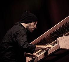 Der Pianist Nilz Hübenbecker