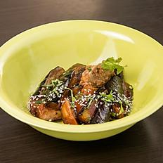 Жареные баклажаны со свининой + рис