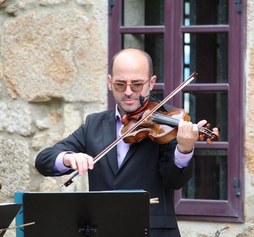 Lázaro González