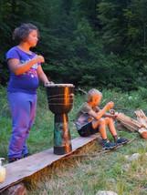Koncertování u táboráku - letní tábor Foxík