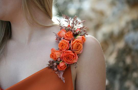 Shoulder corsage