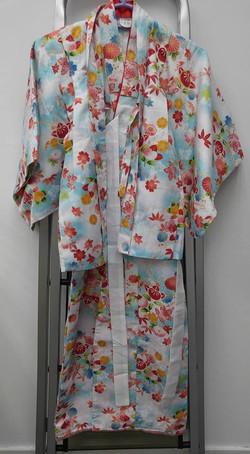 女兒藍白色四季花小紋和服(5-6歲用)