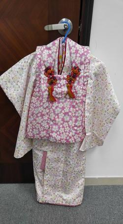 女兒粉白色碎櫻被布和服(3-4歲用)