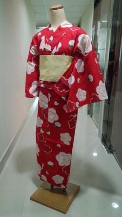 紅色白梅浴衣