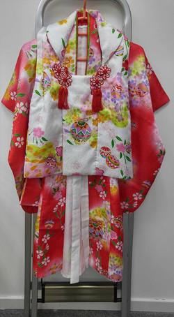 女兒紅色櫻花蹴鞠被布和服(3-4歲用)