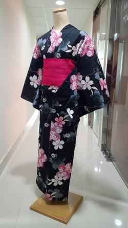 黑色大櫻花浴衣