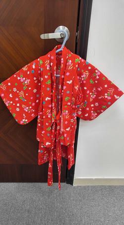 女兒紅色古布風花蝶小紋和服(1-2歲用)