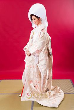 Class A 01白粉紅小菊飛鶴刺繡十二單衣風白無垢