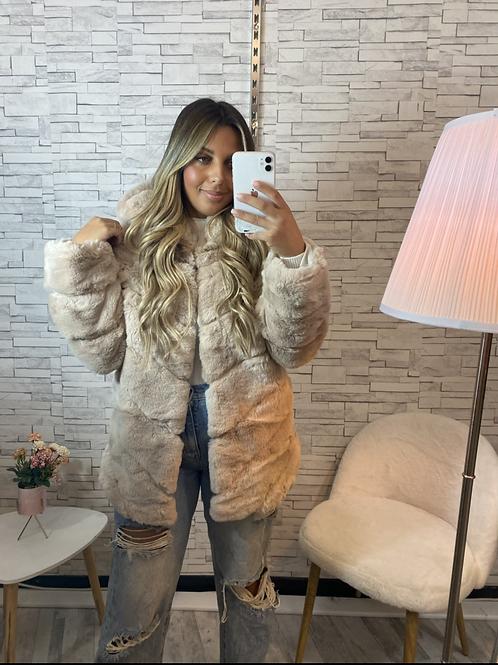 Manteau à fourrure et capuche Soraya beige