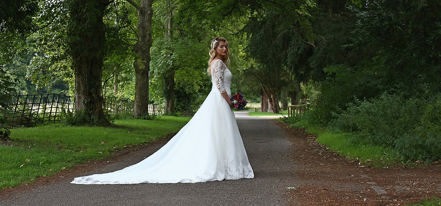 Rachael Capocci Oxfordshire bridal hairstylist and makeup artist