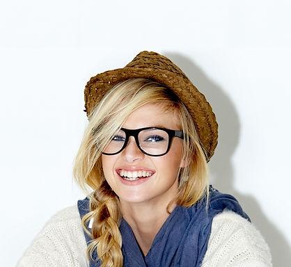 Członek zespołu dziewczynka Straw Hat