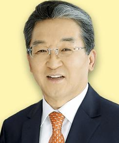 박헌성목사님_사진.png