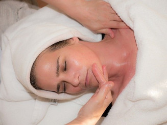 The Benefits of Light Therapy for the Skin