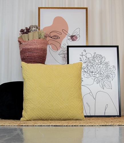 כרית נוי בד MORY צהוב לימון - הדפס מעוינים