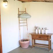 מתחם שאטו פרובנס- בקתות עץ בלבן