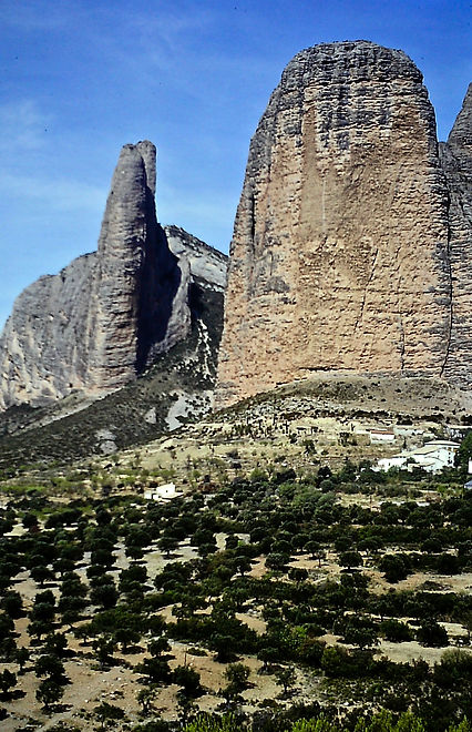Spain 05a, red sandstone pillars, Riglos