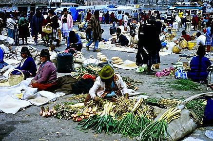 Ecuador 08a, Latacunga market, 5_8_86.jp
