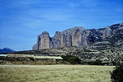Spain 01a, red sandstone pillars, Riglos