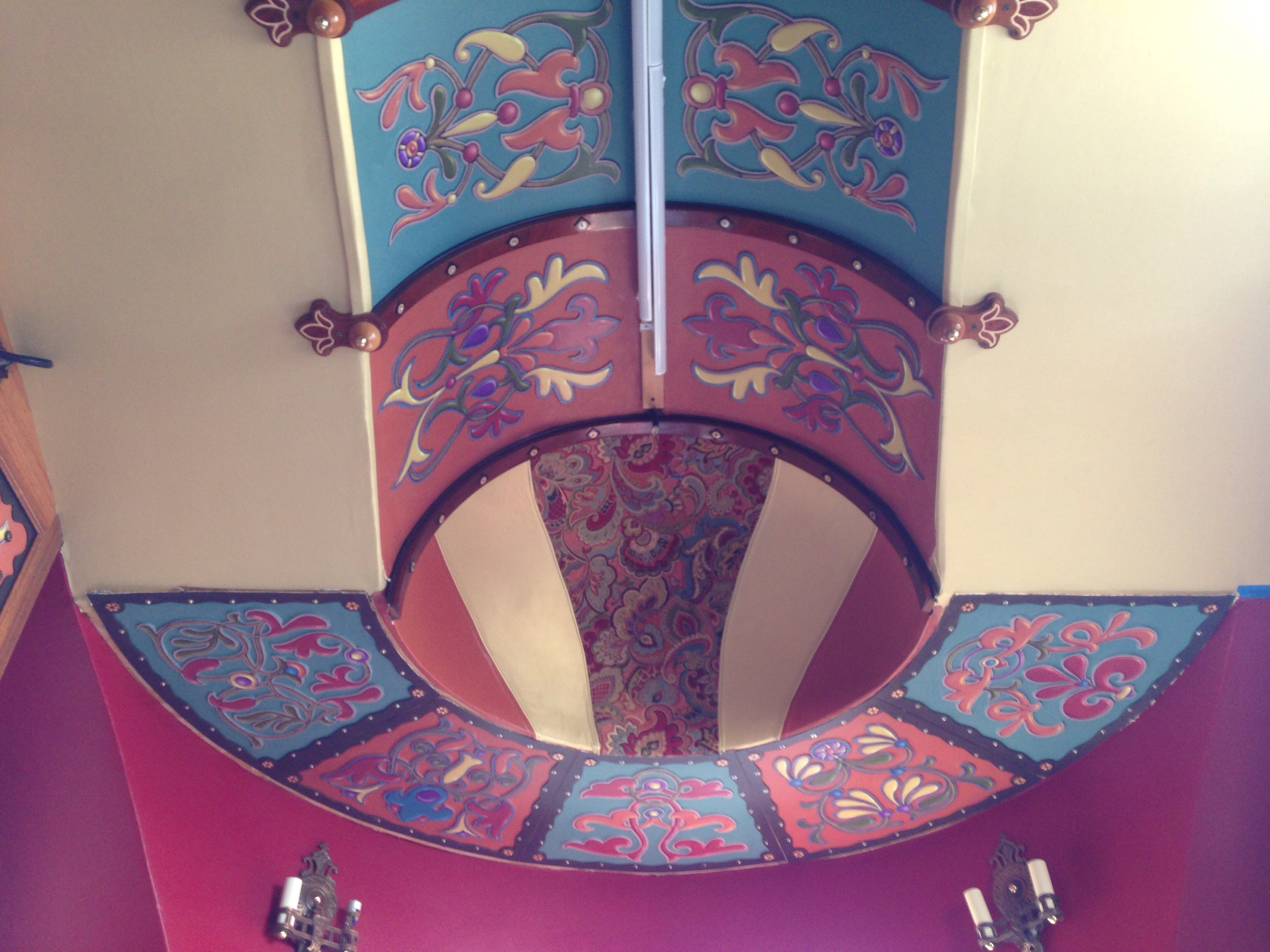 Ceiling in front of trailer