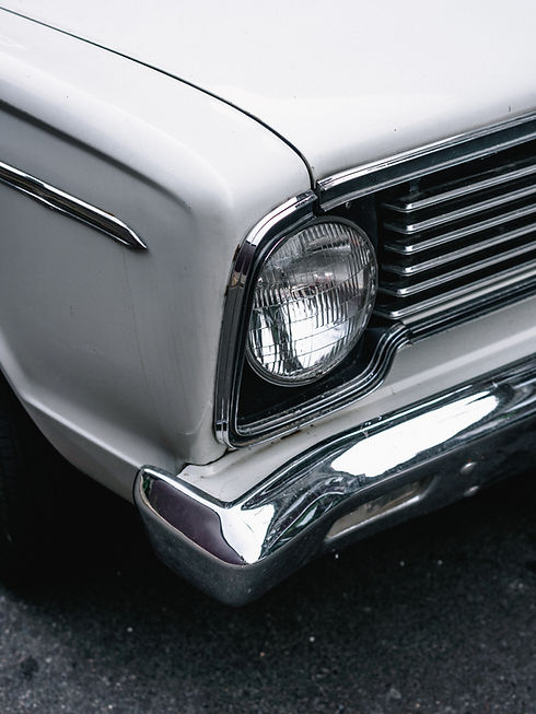 vehicle-headlight-1842869.jpg