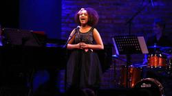 ariana sings.jpg