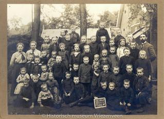 Tentoonstelling oude schoolfoto's 17 okt. t/m 7 nov.