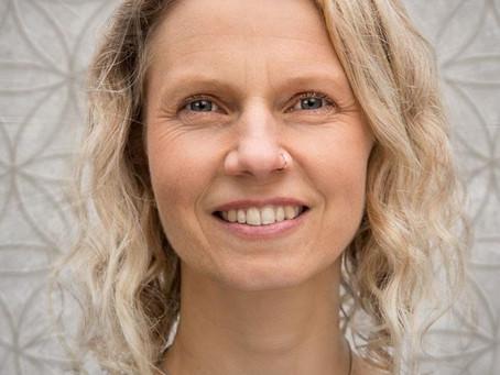 The Light Conversations 10 : Zoe Scanlan
