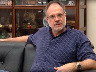 HOMENAGEM AO PROFESSOR PAULO CESAR SENTELHAS