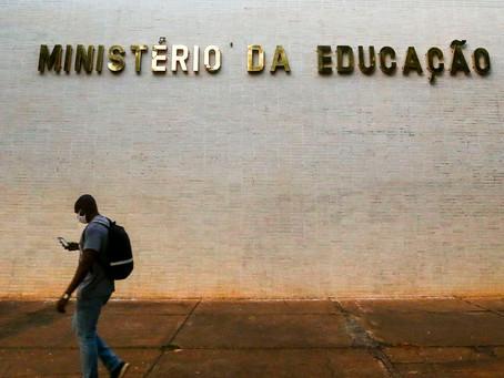 Em reunião com universidades, MEC não revoga portaria de retorno às aulas presenciais