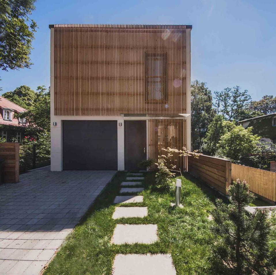 HOUSE M-9.jpg