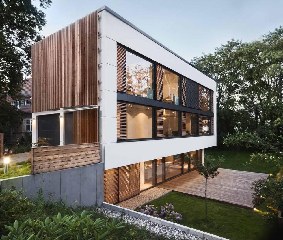 HOUSE M-17.jpg