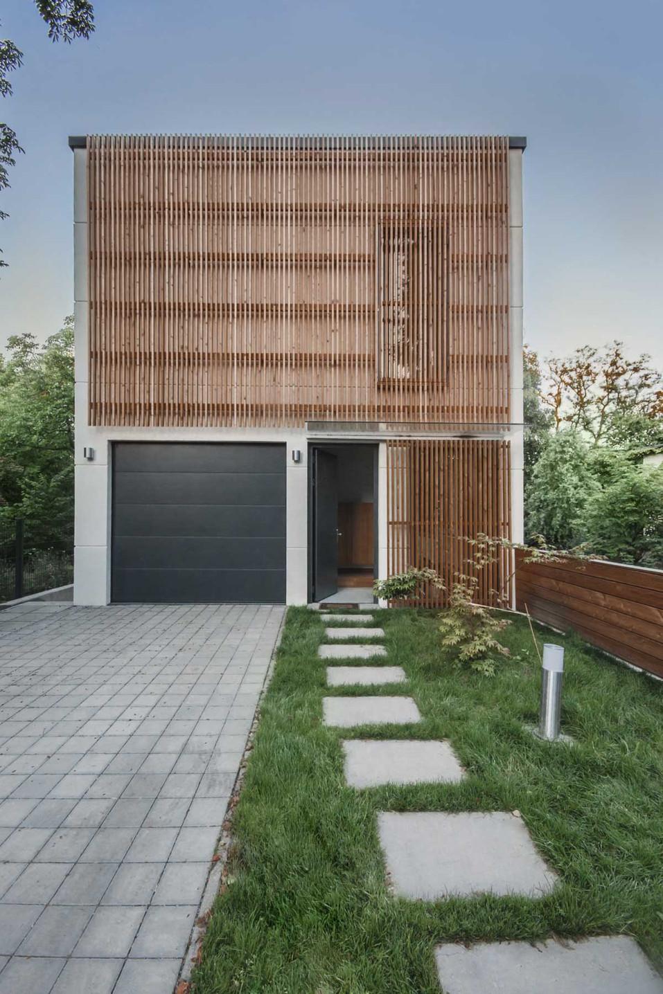 HOUSE M-13.jpg
