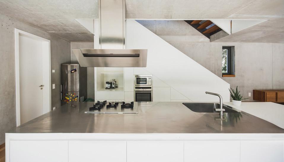 HOUSE M-18.jpg