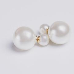 Pearls earrings.jpg