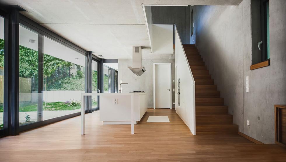 HOUSE M-25.jpg
