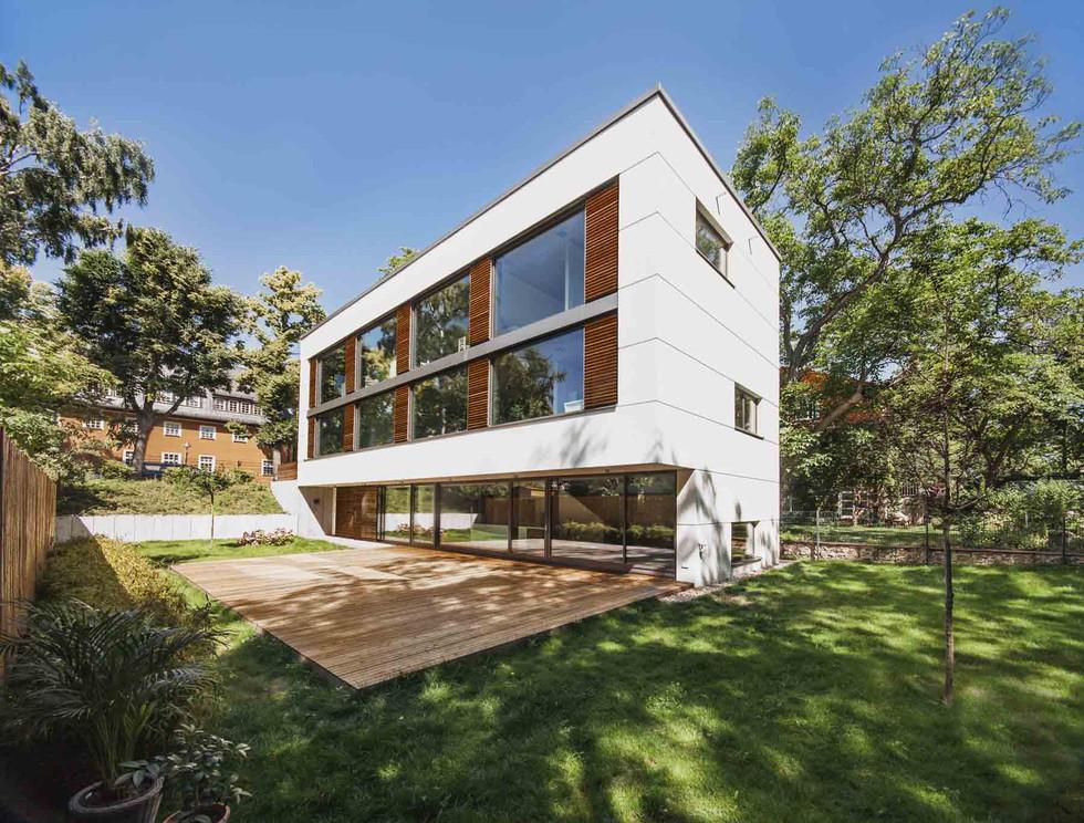 HOUSE M-7.jpg