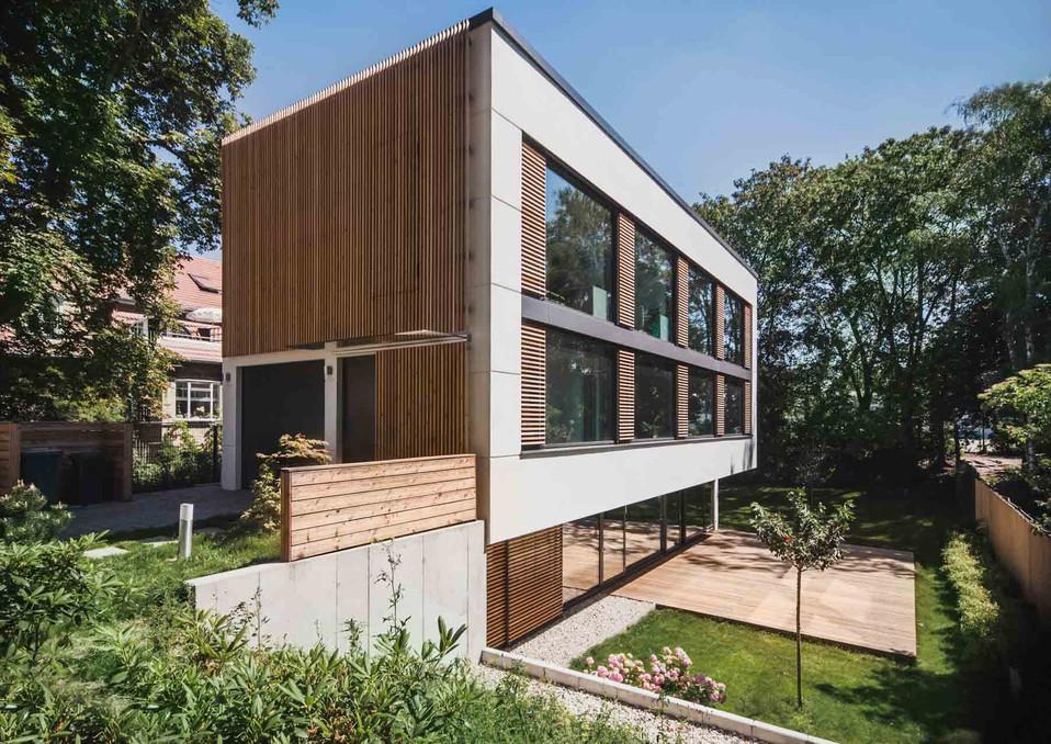HOUSE M-8.jpg