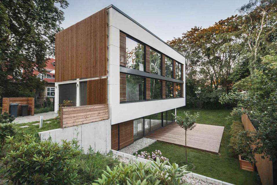 HOUSE M-14.jpg