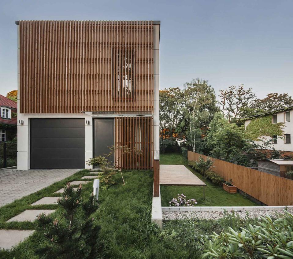 HOUSE M-15.jpg