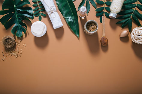 beautiful-spa-composition-on-brown-wall-