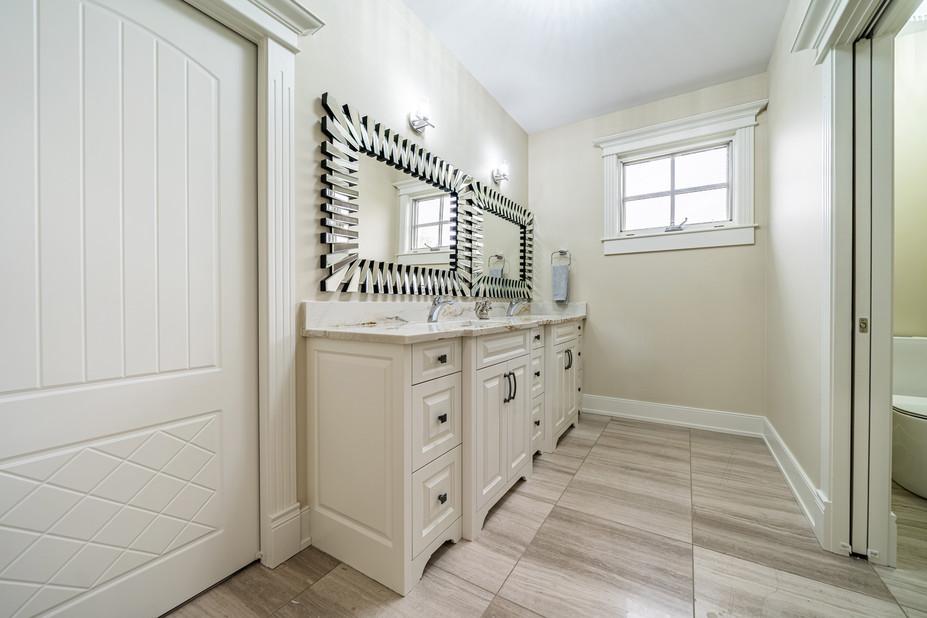 Calgary Real Estate Bathroom